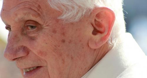 Benedicto XVI expresa en una carta su deseo de irse «pronto» al cielo